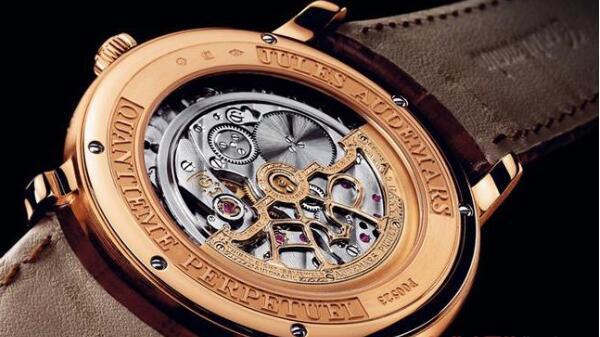 济南哪里回收二手爱彼手表,回收手表时需注意那些细节?