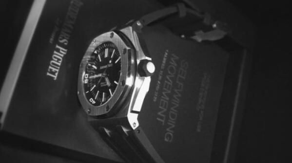 济南二手爱彼皇家橡树15710手表回收价格大概多少钱?
