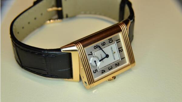 济南积家翻转系列手表回收价格可以卖多少钱