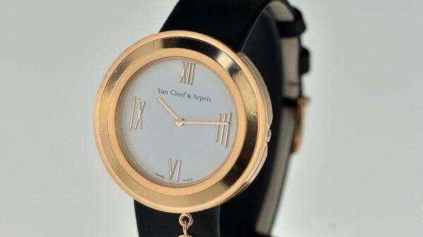 北京二手梵克雅宝女士腕表回收价格如何?