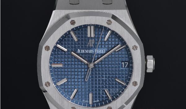 济南爱彼皇家橡树15500手表回收价格是多少?