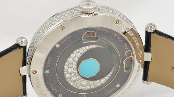 济南梵克雅宝手表回收多少钱?二手价格如何!