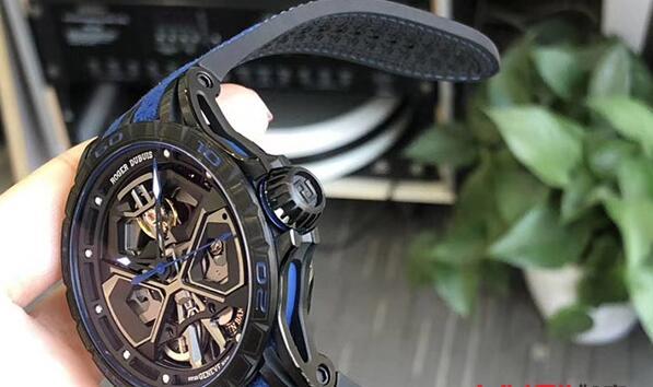 济南二手罗杰杜彼RDDBEX0749手表回收多少钱?