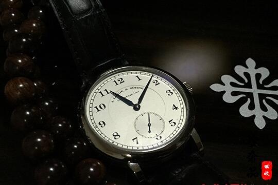 济南哪里回收二手百达翡丽手表行情价格高?