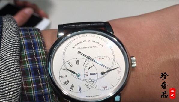 济南朗格双轮系跳秒手表市场回收价格能卖多少钱?