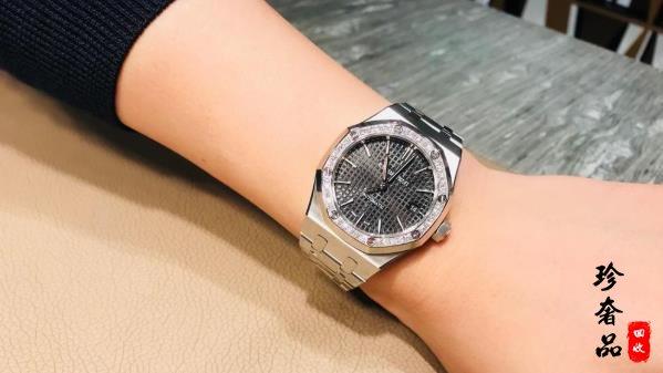 男生送女生适合买什么高端奢侈品手表