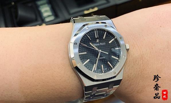 10万买爱彼手表还是朗格腕表价格更靠谱